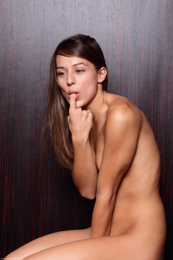 Hot figure nude girl