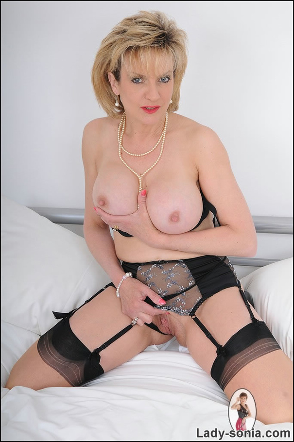 mature beauty xxx
