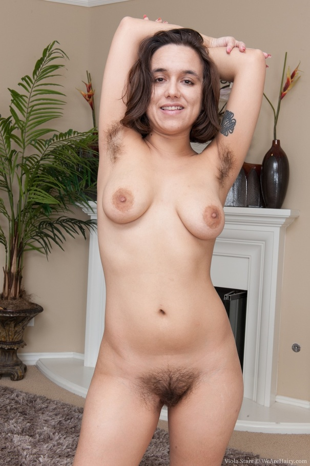 girls with hairy armpits nude
