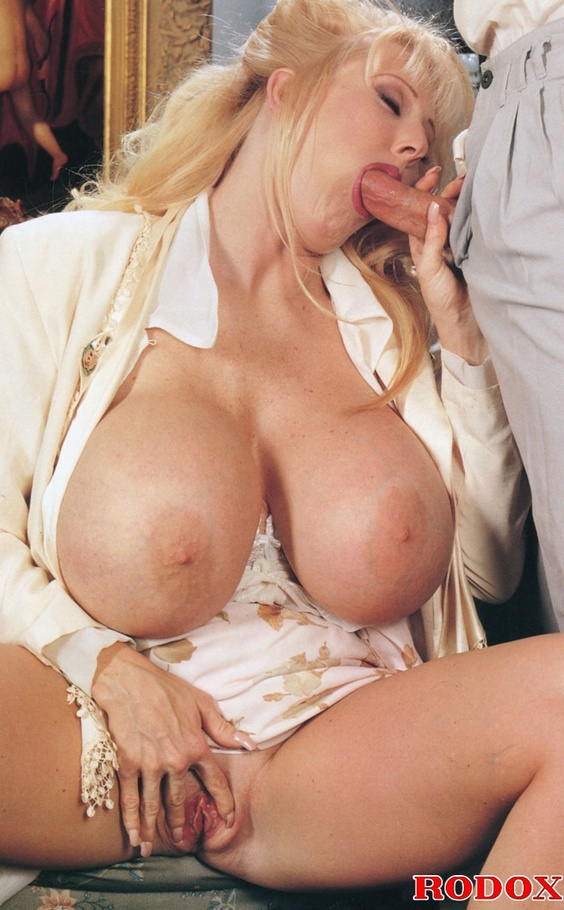 Sofia staks mature bitch have broken pussy and gigantic tits 1