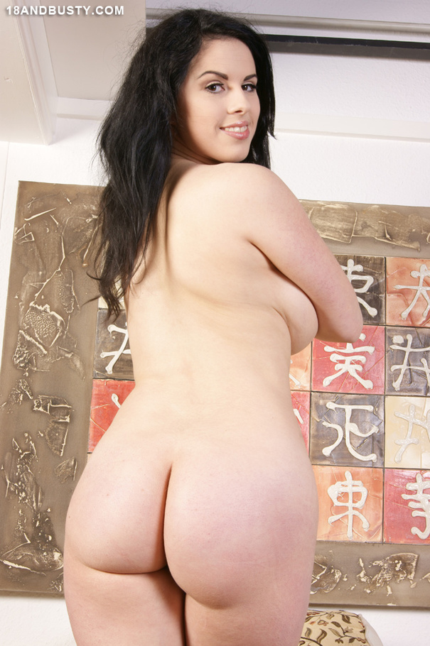 phoebe from charmed naked nude