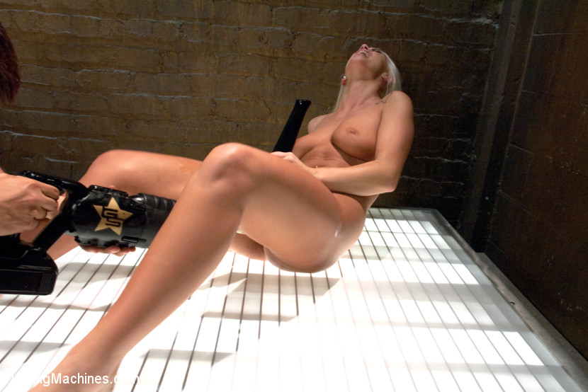 Lucky babe gets multiple orgasms as she get - XXX Dessert - Picture 14