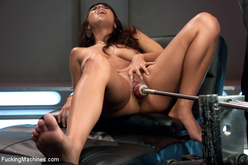 Naughty babe reaches orgasm over and over w - XXX Dessert - Picture 7