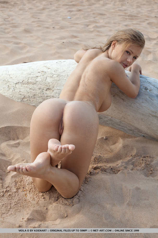 Volleyball girl player nude
