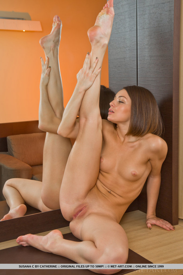 Commit Non nude contortionist upskirt
