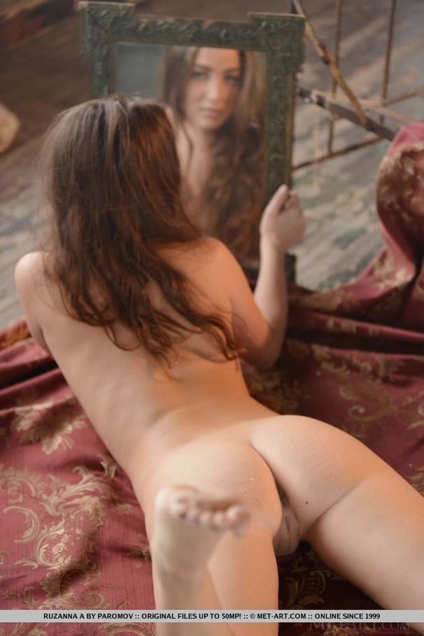 2 sexy brunettes playing on cam in bathtub 4