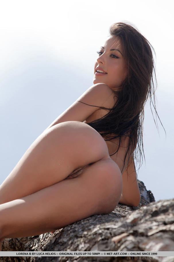 Island girls naked bottoms — img 6