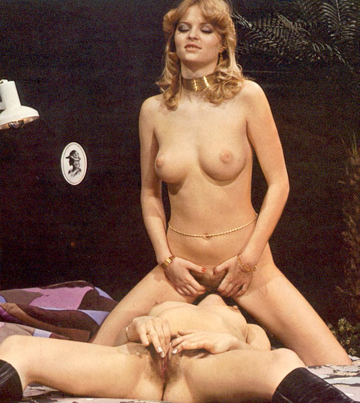 Two Hairy Seventies Lesbians Playing Dirty - Xxx Dessert -1373