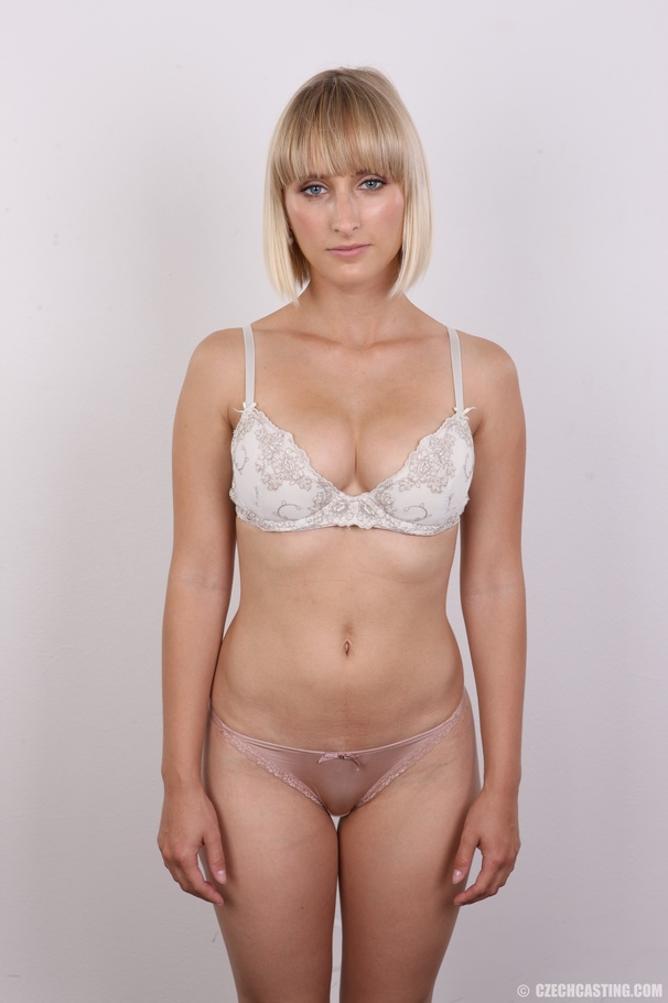 Short hair nude blonde