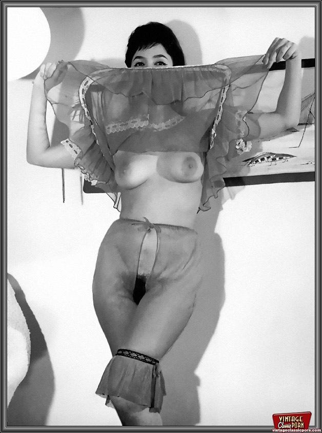 Sexy Vintage Topless Girls Enjoy Posing In - Xxx Dessert -8628