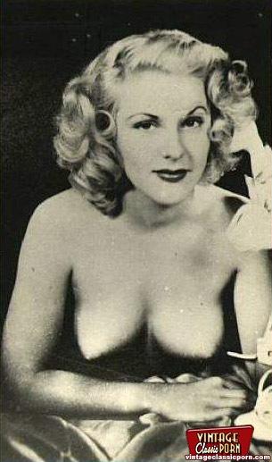 Sexy Vintage Topless Girls Enjoy Posing In - Xxx Dessert -4776