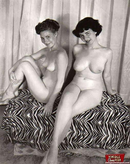 Multiple Sexy Vintage Ladies Posing Naked I - Xxx Dessert-3011