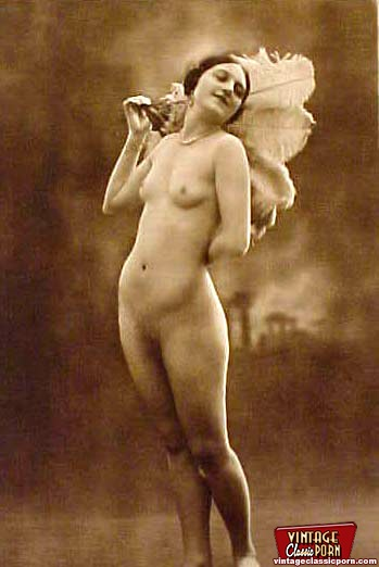 Full Frontal Vintage Nudity Chicks Posing I - Xxx Dessert -8811