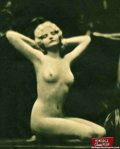 Retro nude models