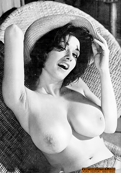 Women nude beautiful vintage busty