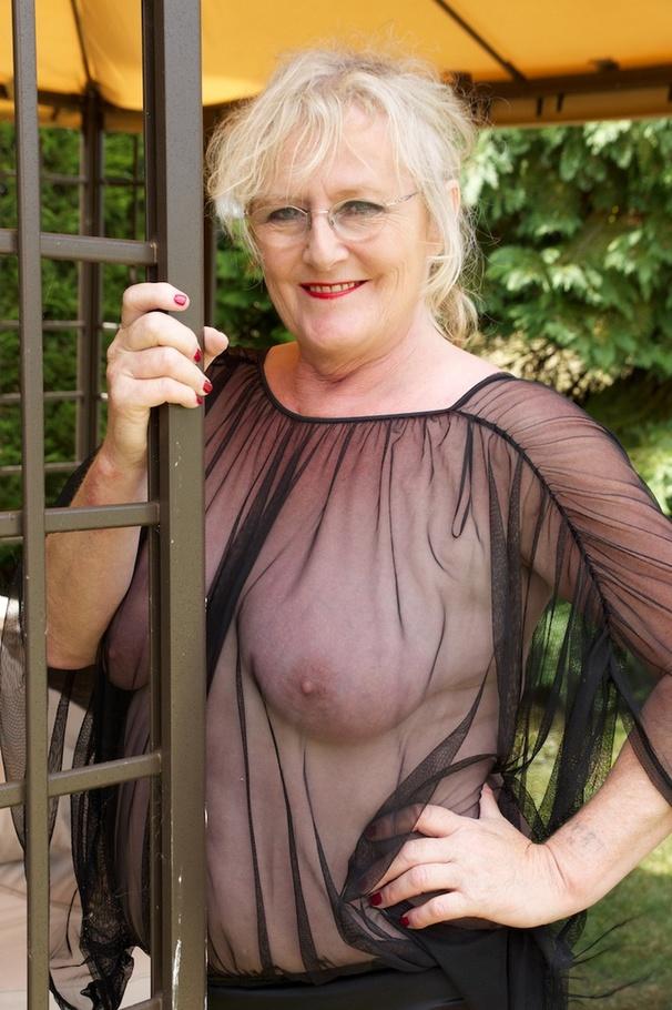 Granny nude tits