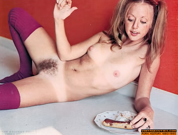 Women pussy hot spreading their hairy