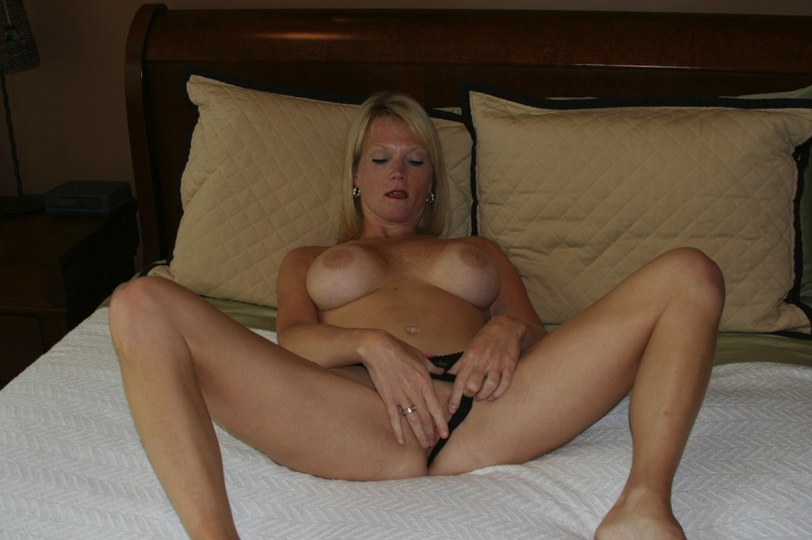 image Extreme amateur anal and rough outside