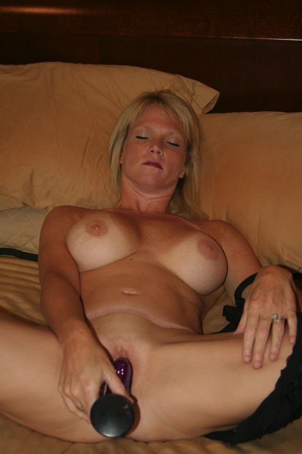 Amateur gilf is my personal slut - 2 part 8