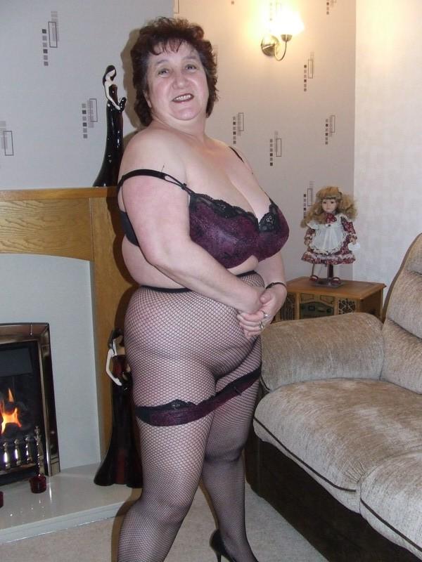 Big cougar tits