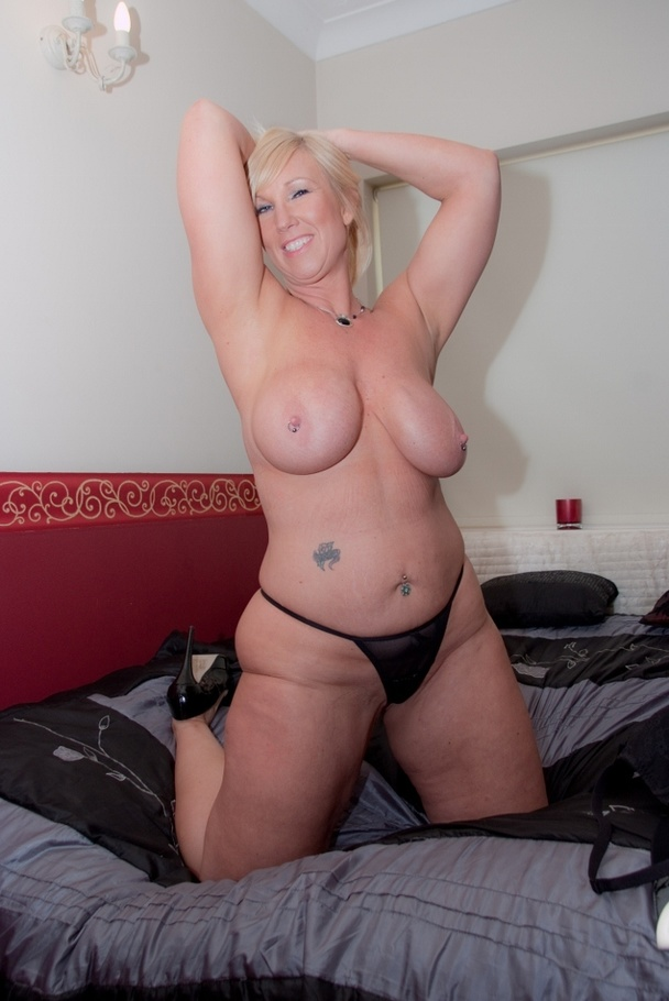 Amateur big tits milf ride chop shop owner 1