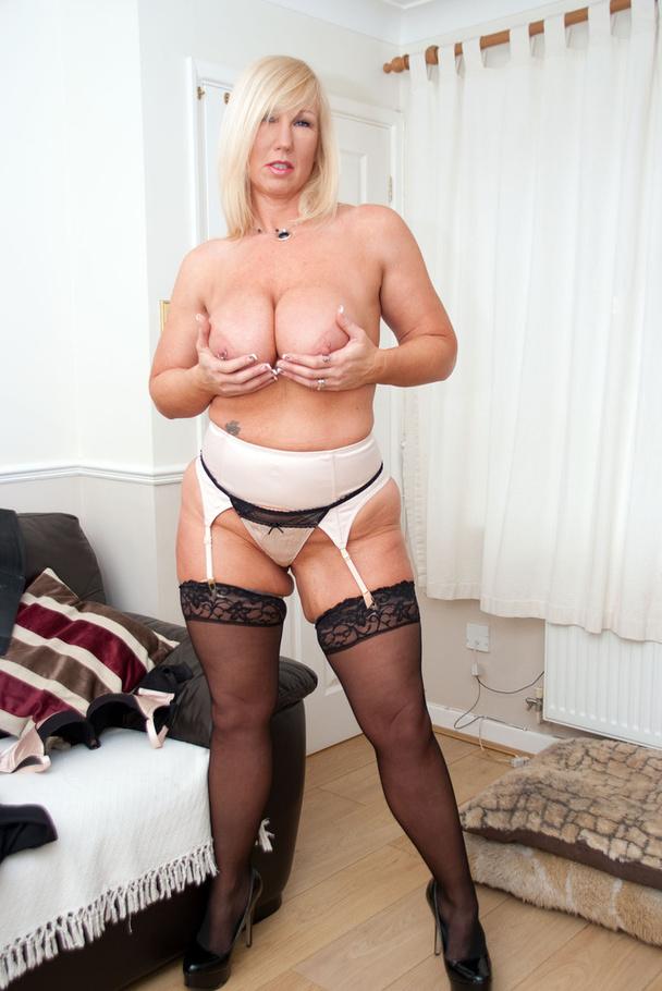United kingdom live sex add snapchat susanfuck2525 8