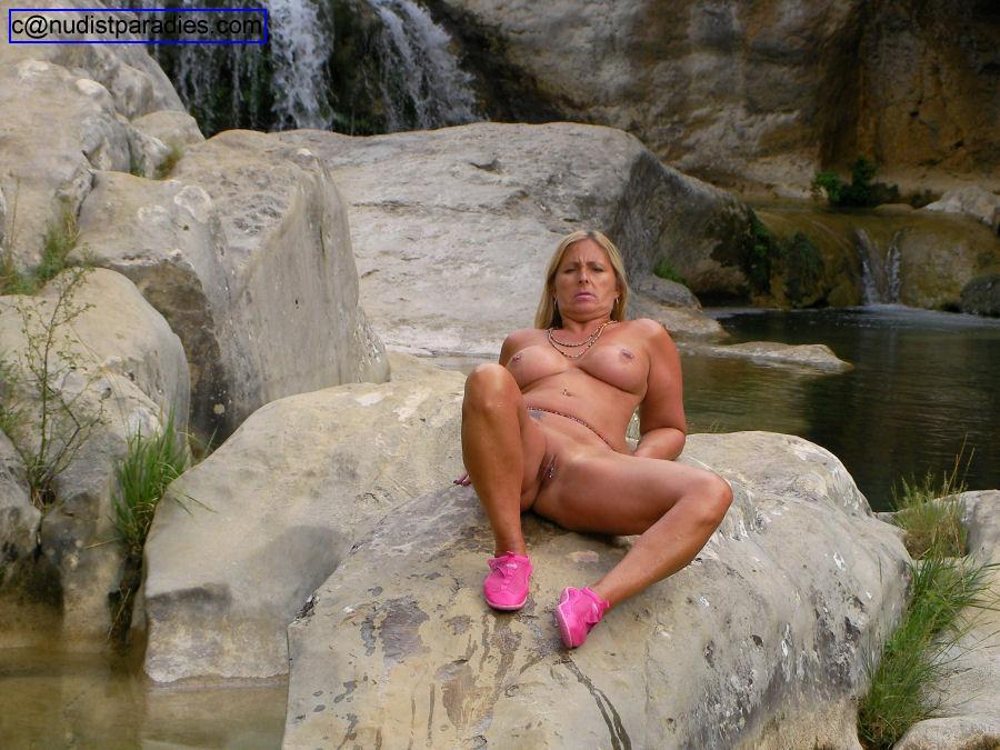 Milf emma in europe - 1 part 9