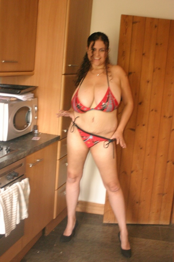 Amateur girl big tits in van 8