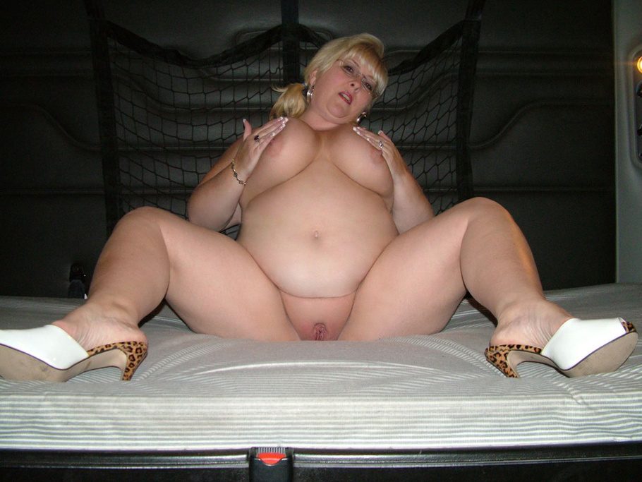Chubby mature likes to suck and fuck any cock 2