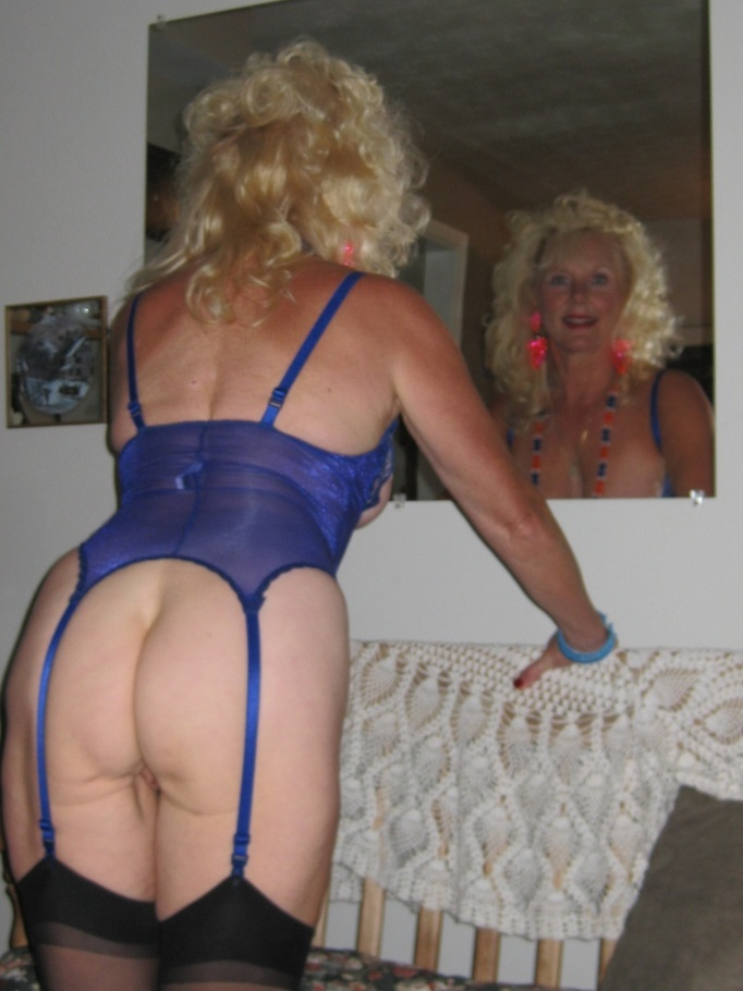 Mature Legs Ruth From United States - YOUX.XXX