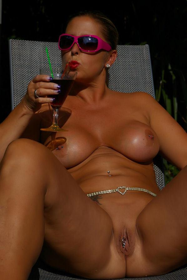Big Tits Milf Nude Chrissy From Europe - YOUX.XXX