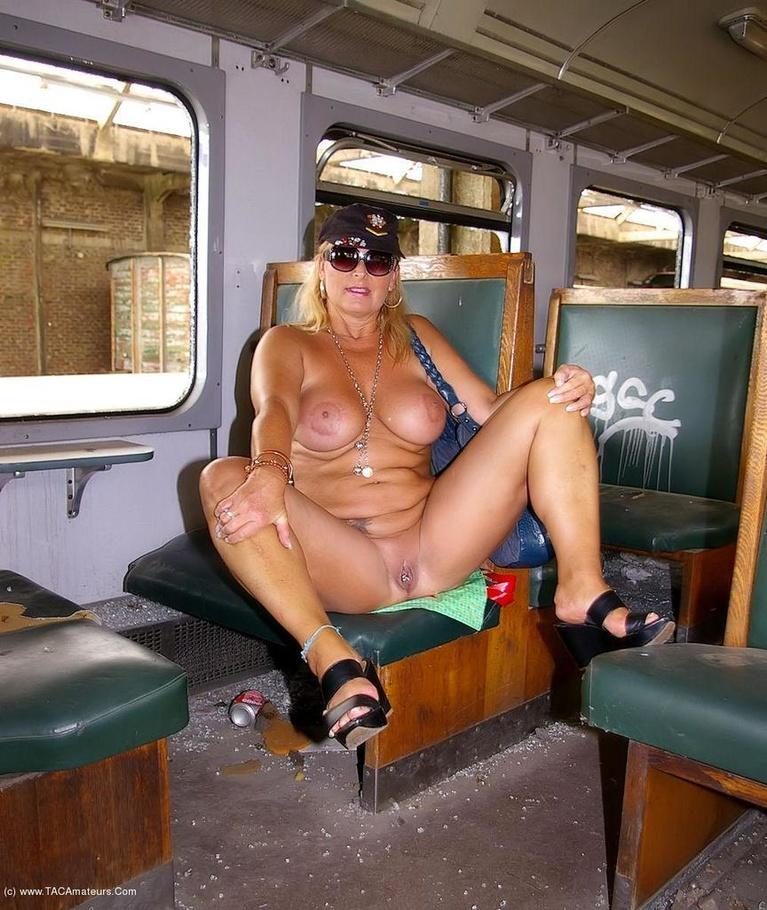 Nude Exhibitionist Videos