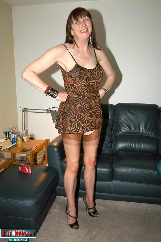 Blow Jobs Beth Morggan From United Kingdom - Youxxxx-2528