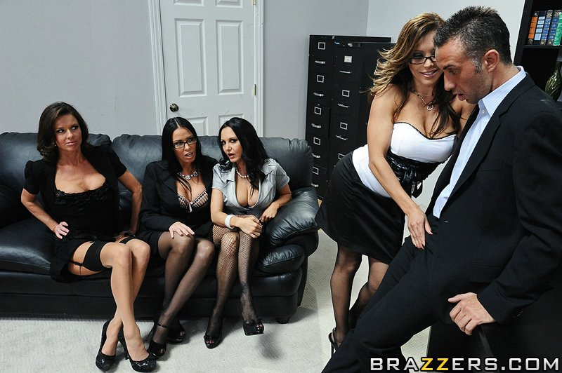 Keiran is hard pressed to find a new assist - XXX Dessert - Picture 7