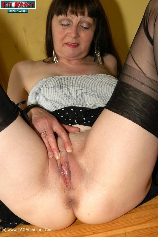 Big tits amateur girl masturbation on webcam 8