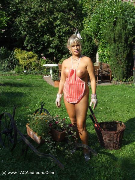 Big tits amateur girl masturbation on webcam 2