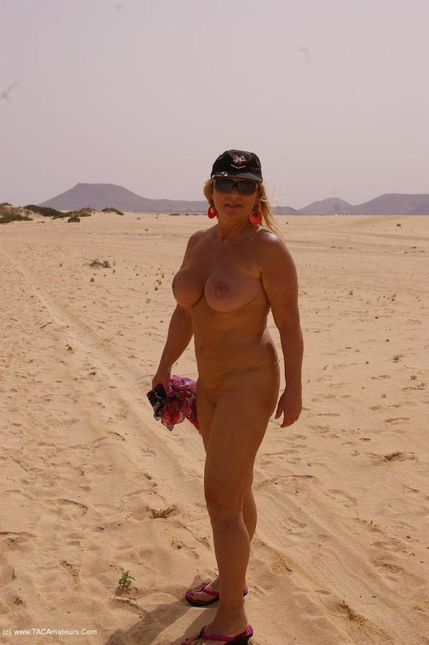 cougar nude chrissy from europe holiday in fuerteventura