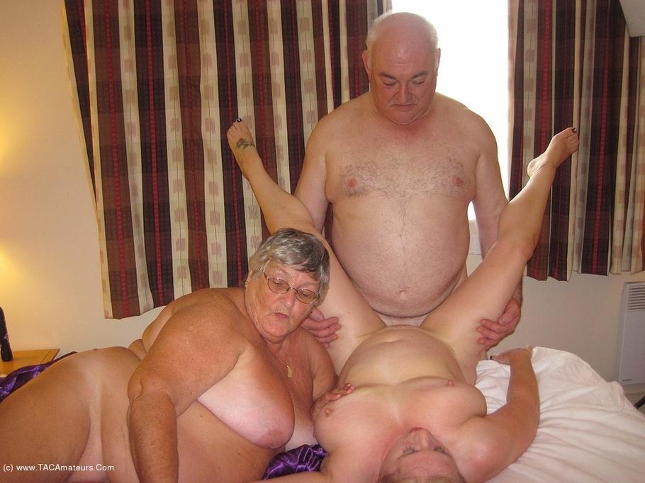 Threesomes Grandma Libby From United Kingdom - Youxxxx-5377