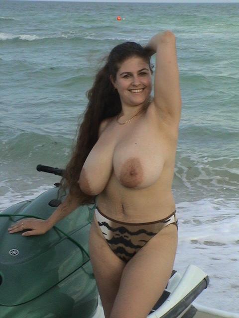 Amateur Big Tits Striptease United Kingdom