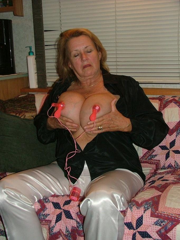 Big tits big nipple big clit 2 paradass - 3 part 10