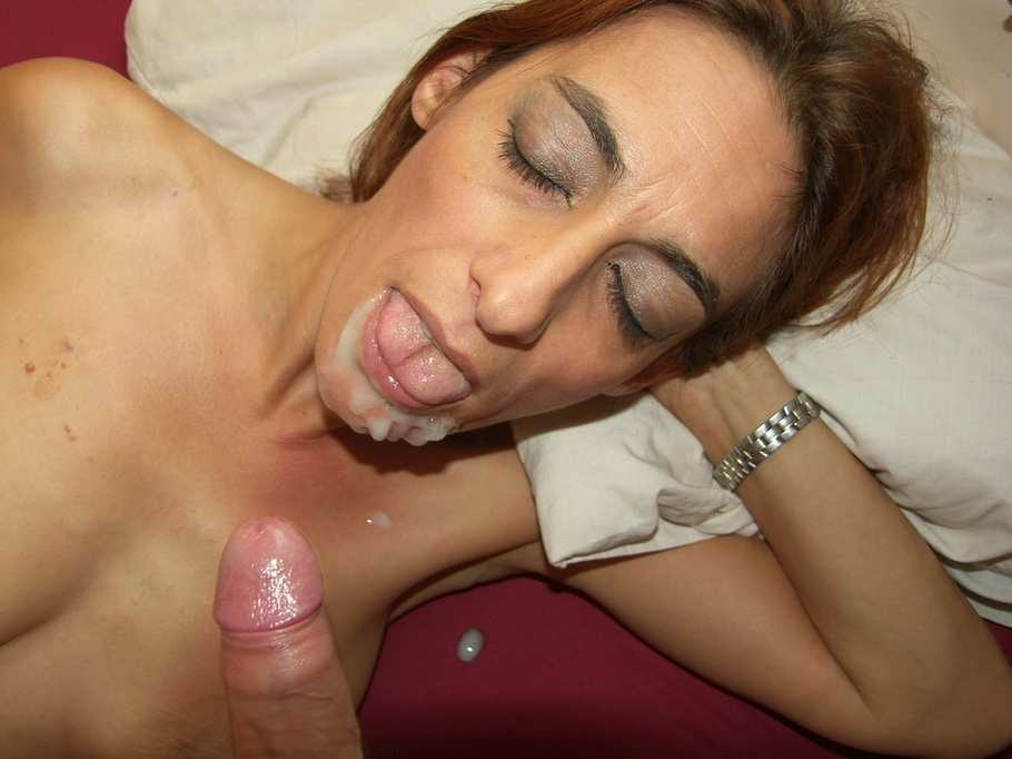 Babe milf sexy deepthroat video