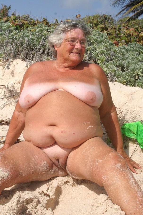 Granny Exhibitionist Grandma Libby From United Kingdom -4775