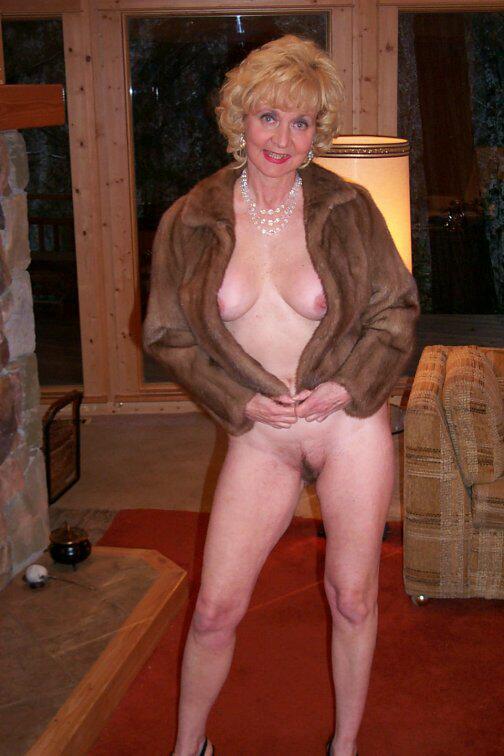 Granny Classy Carol From United States Porn Star Glamour -7431
