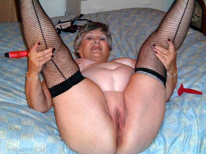 Granny Grandma Libby From United Kingdom Whose Pussy Needs -7673