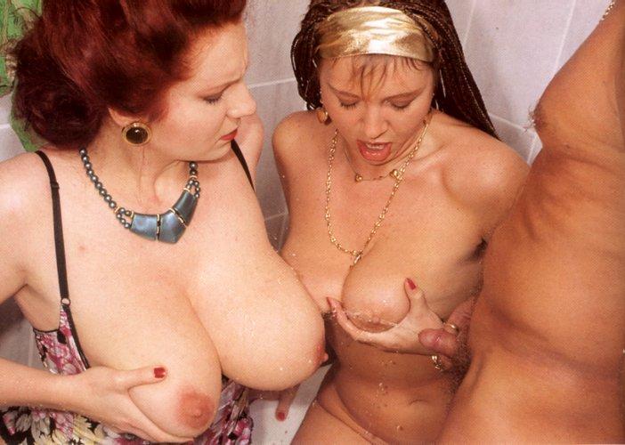 Double dildo lesbians threesome