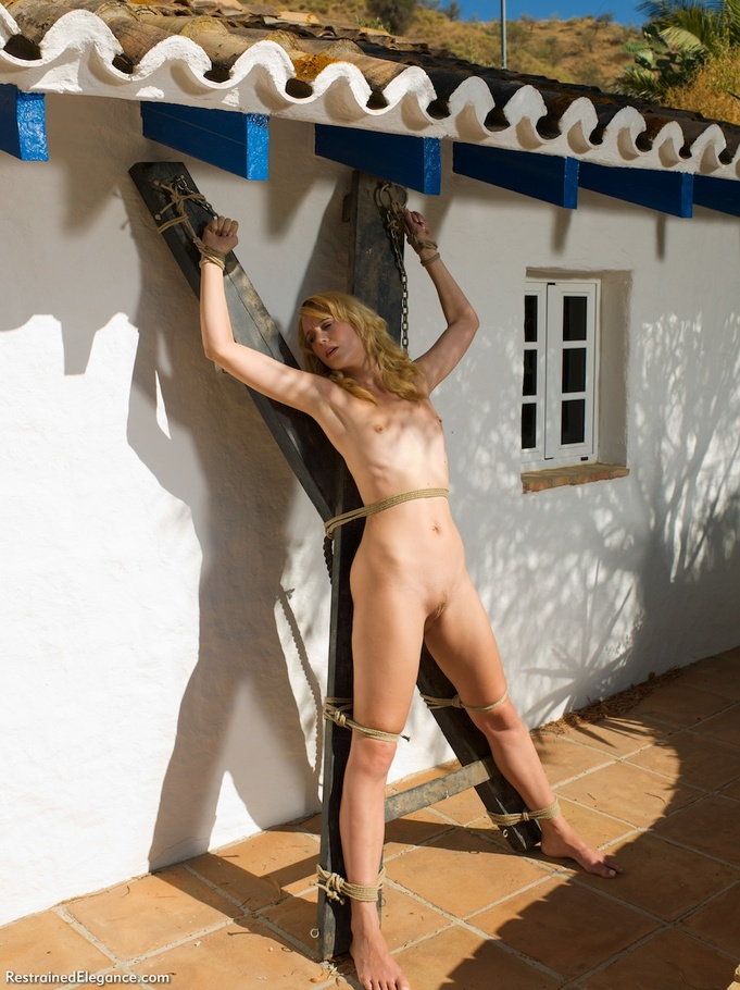 Pretty Nude Blonde Spread And Bound With Ro - Xxx Dessert -9413