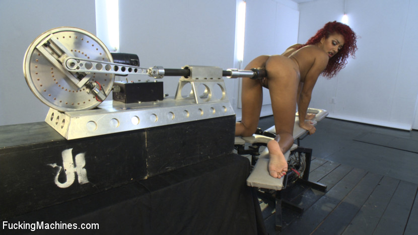 Hot pussy pounding and drilling as mechanic - XXX Dessert - Picture 4