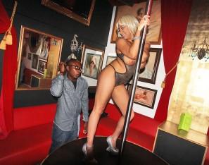 Foxy blonde stripper sucks cock like a pro - XXX Dessert - Picture 3