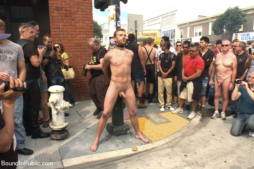 Sexy Naked Gay Men In Public Pics