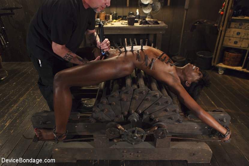 bondage machine Ebony fucking